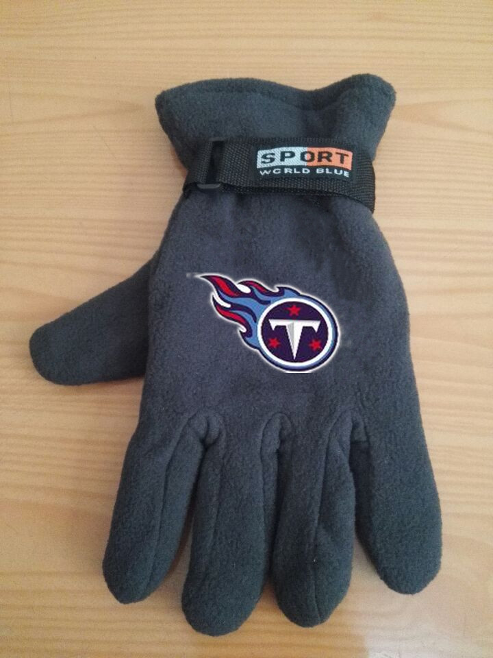 Titans Winter Velvet Warm Sports Gloves