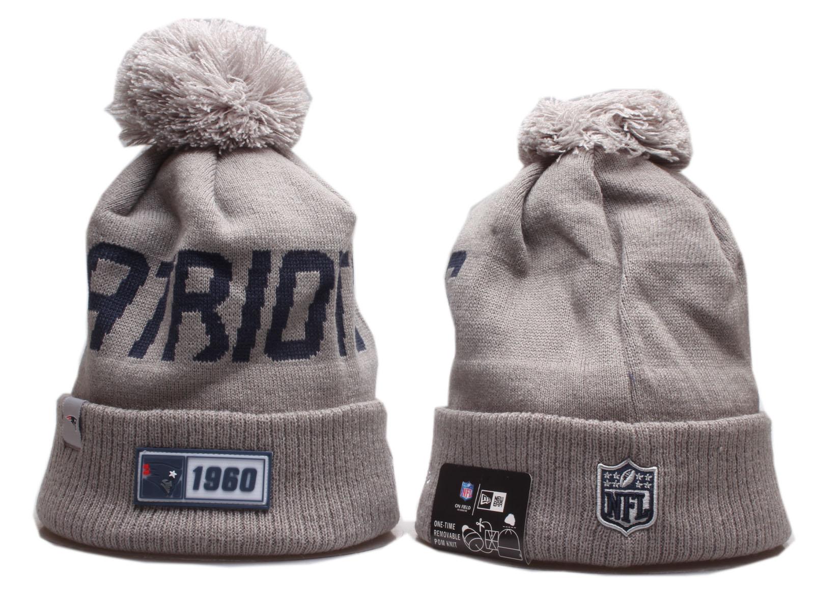 Patriots Team Logo Cream Pom Knit Hat YP