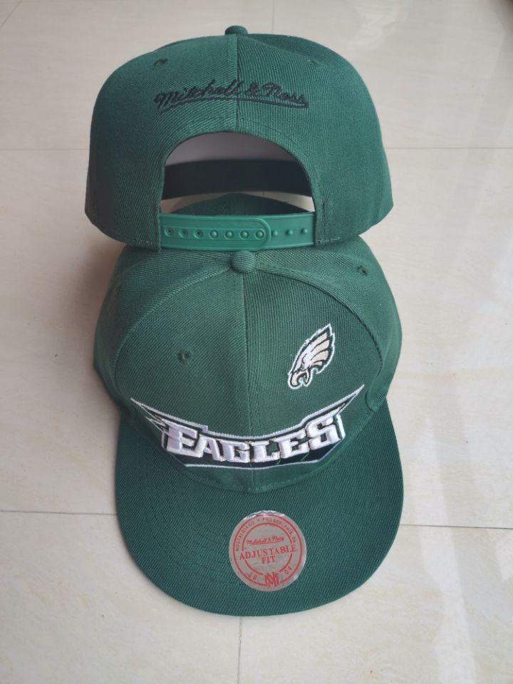 Eagles Team Logo Green Mitchell & Ness Adjustable Hat LT