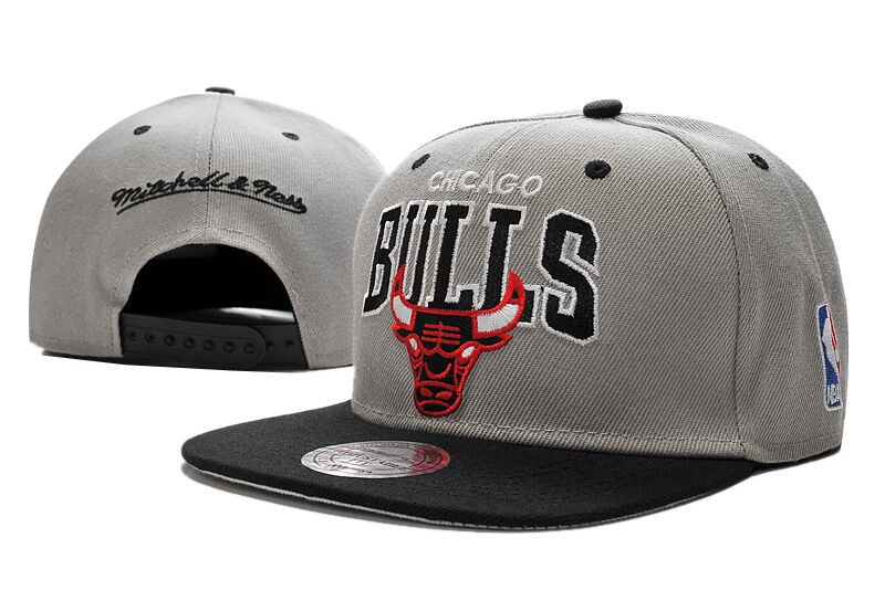 Bulls Team Logo Gray Black Mitchell & Ness Adjustable Hat LT