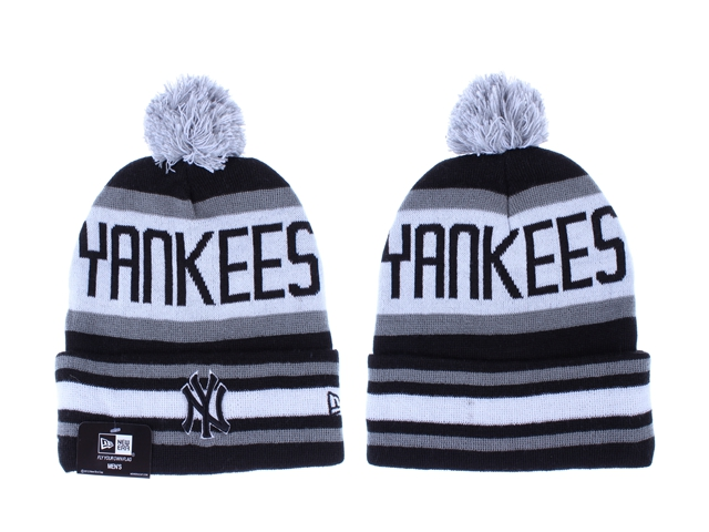 Yankees Team Logo Black White Pom Knit Hat LX