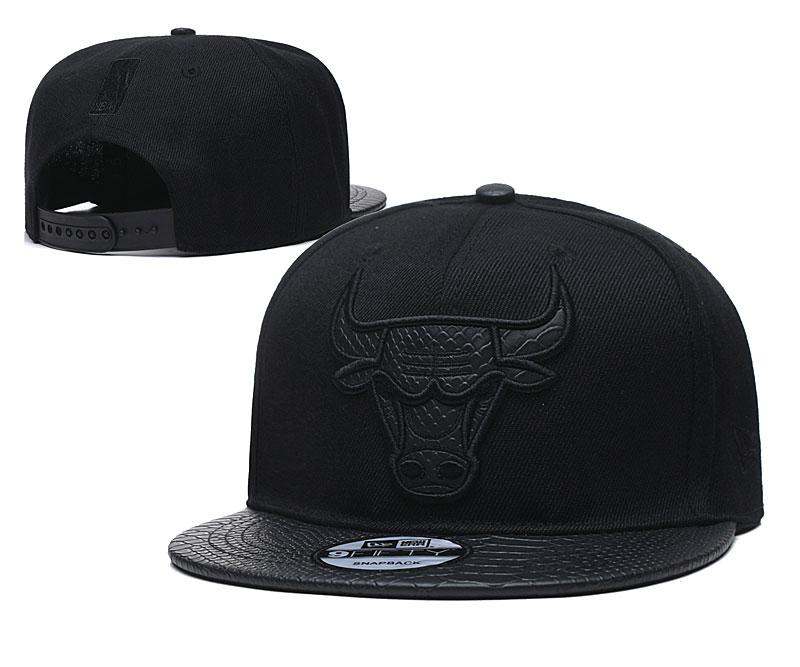 Bulls Team Logo Black Adjustable Hat TX