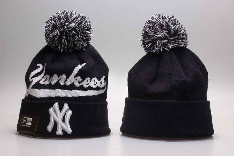 Yankees Team Logo Black Knit Hat YP