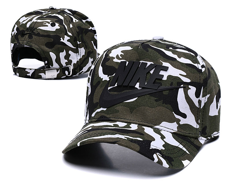 Nike Classic Camo Peaked Adjustable Hat TX