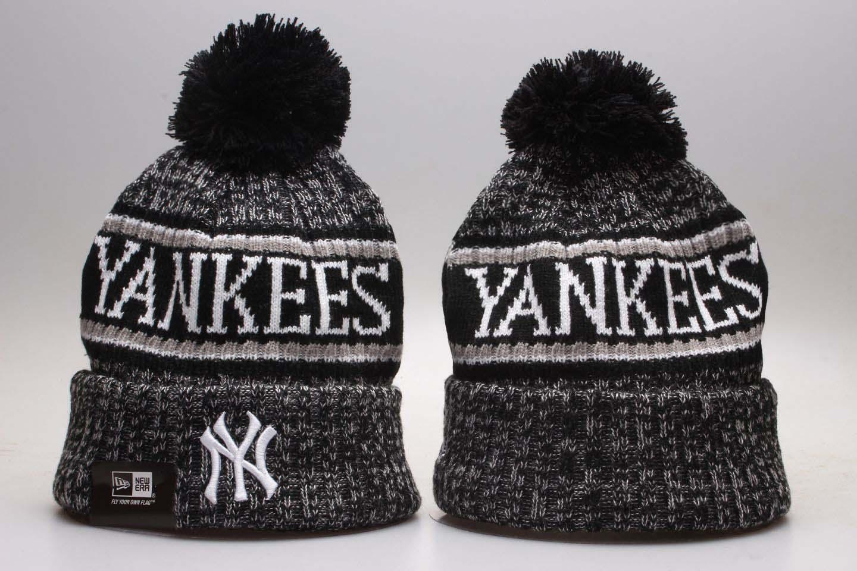 Yankees Fresh Logo Black Knit Hat With Pom YP
