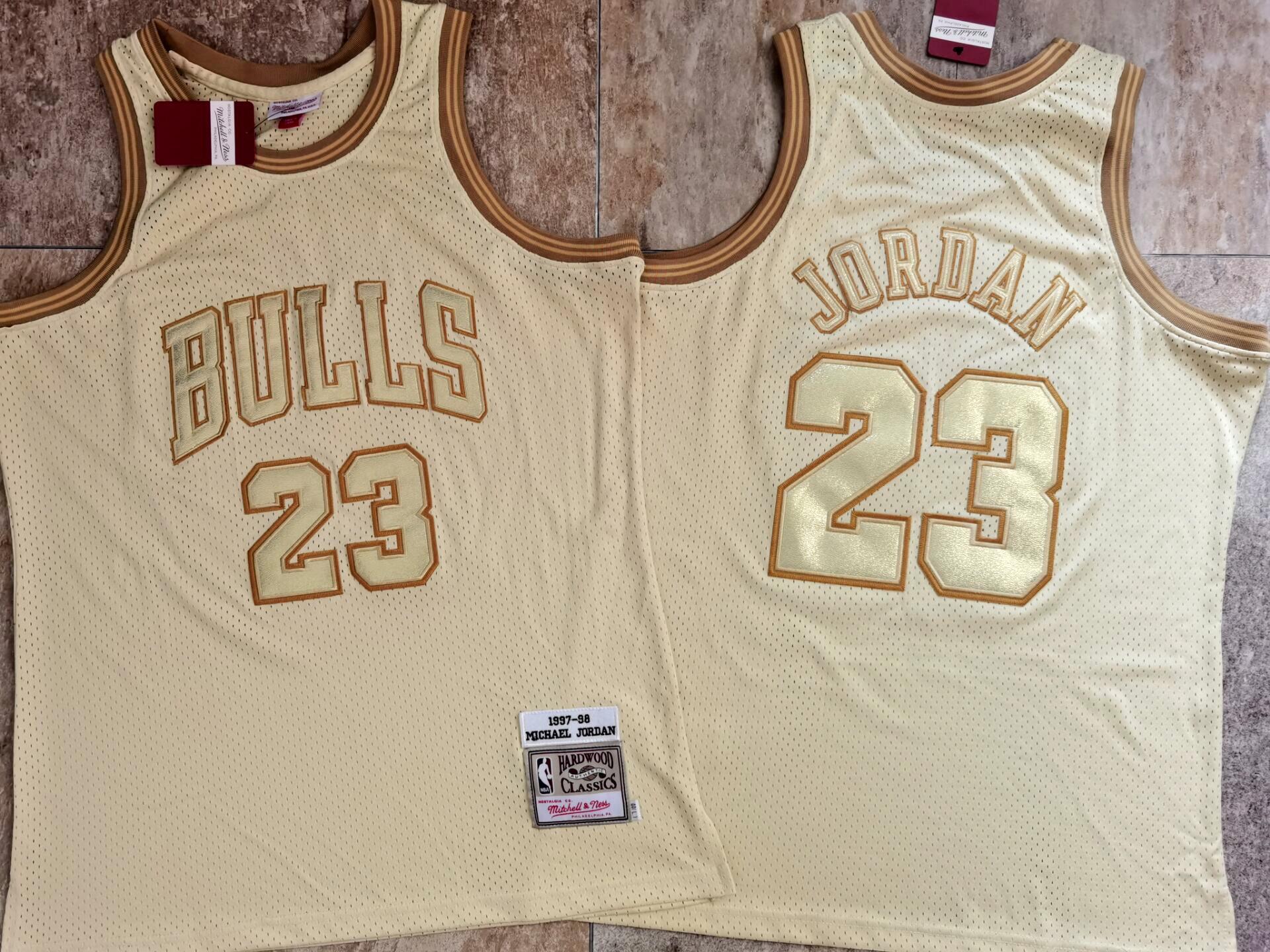 Bulls 23 Michael Jordan Cream 1997-98 Hardwood Classics Jersey